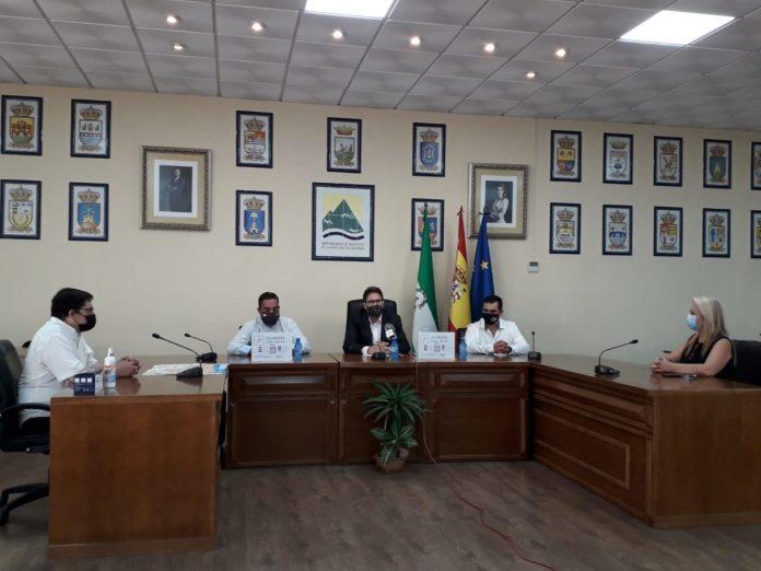 APTA y el colectivo Enfoques firman un convenio