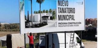 El colectivo pide el cambio de ubicación de las instalaciones funerarias por no considerar muy adecuado su construcción junto a viviendas y así se lo ha hecho saber al Gobierno de Torrox.