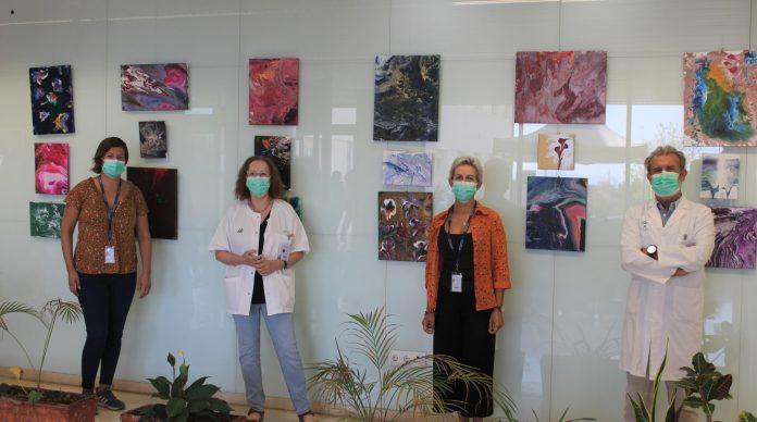 El Área de Gestión Sanitaria Este de Málaga-Axarquía conmemora el Día Mundial de la Salud Mental con la exposición 'Salud Mental y bienestar. Una prioridad globlal'