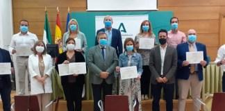 El Comité de Expertos de vacunación antigripal GAVAG (Grupo Andaluz de Vacunación Antigripal) integrado por la Consejería de Salud y Familias, a través de la Dirección General de Salud Pública, representantes de una treintena de sociedades científicas y de los consejos generales de enfermeros, médicos y farmacéuticos, ha mantenido una reunión telemática de trabajo para ultimar la Campaña de Vacunación de la Gripe 2020-2021.