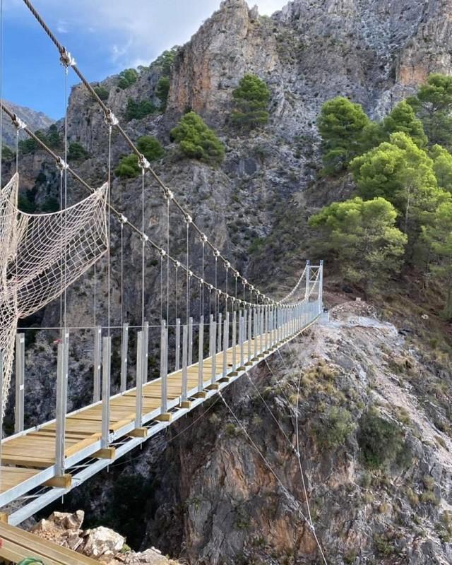 El próximo lunes se inaugurará 'El Saltillo' de Canillas de Aceituno con un puente de 50 metros de longitud