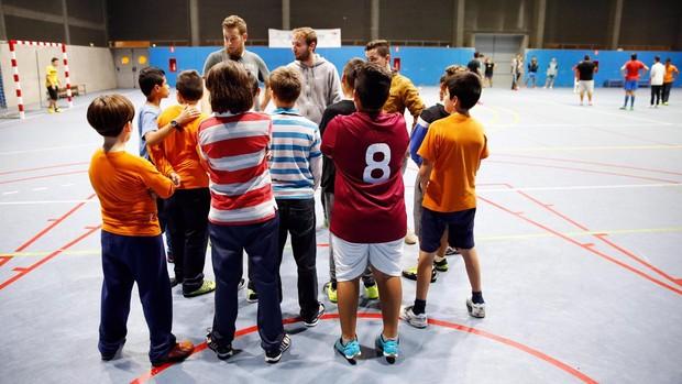 Se permite finalmente realizar actividad física al aire libre en centros deportivos para deporte no federado a partir de las 18 horas