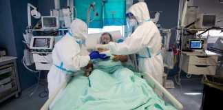 Sanidad notifica 21.309 nuevos casos y 389 muertes más