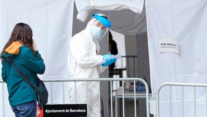 Médicos y epidemiólogos piden decretar un nuevo confinamiento