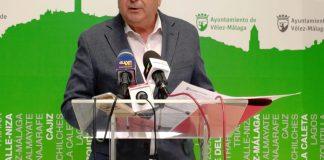 El alcalde de Vélez-Málaga pide el cierre de los centros educativos por la Covid19