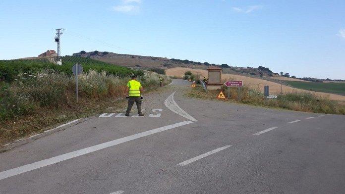 Francisco Oblaré resalta que se realizará una inversión de 800.000 euros para estas labores, que ayudan a evitar incendios y mejorar la seguridad vial