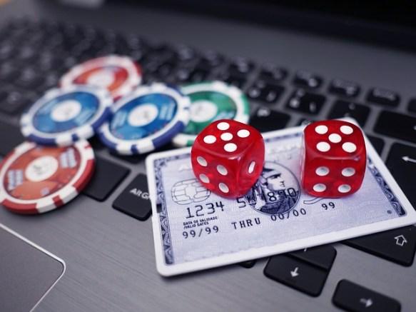 Casino en línea. Imagen extraída de Pixabay