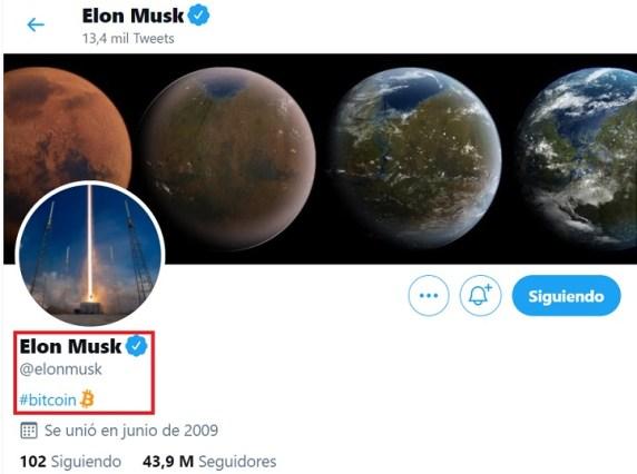 Mención de Elon Musk a Bitcoin en su perfil de Twitter