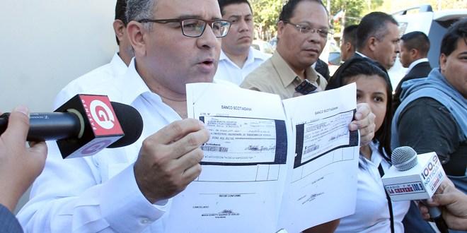 Funes acusa a Quijano de utilizar  recursos de ANDA
