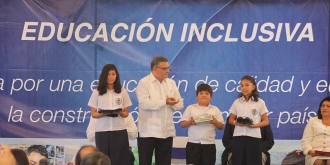 Presidente Funes inaugura año escolar 2014