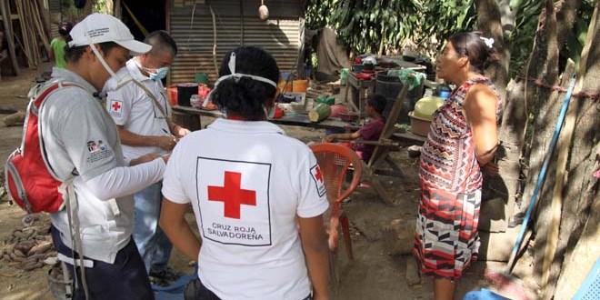 Habitantes del volcán Chaparrastique recibirán ayuda humanitaria de Cruz Roja