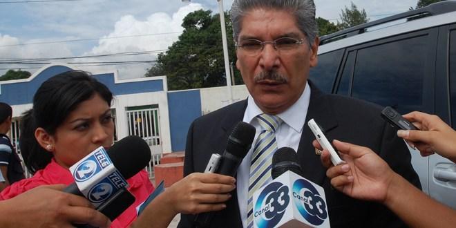 Norman Quijano copia campaña de seguridad que utilizó derecha hondureña