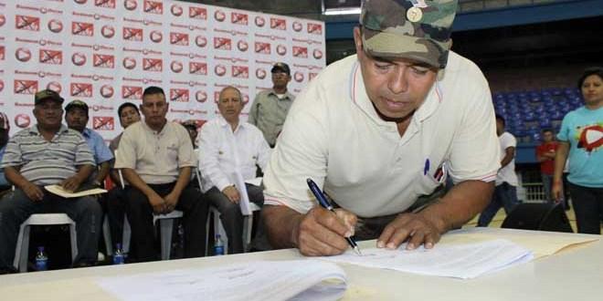 Veteranos de guerra de la FAES y la  ex guerrilla suman apoyo a la fórmula del FMLN
