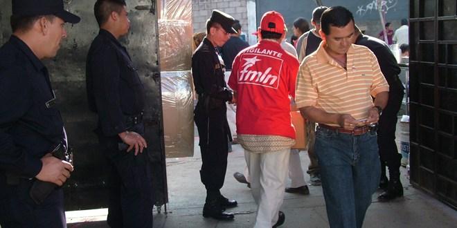 Diputados acuerdan que policías voten en sus lugares de trabajo
