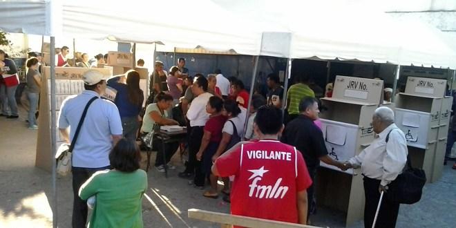 Retraso en centro de votación ubicado en San Ramón
