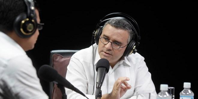 Presidente Funes anuncia presentación de comisiones de transición