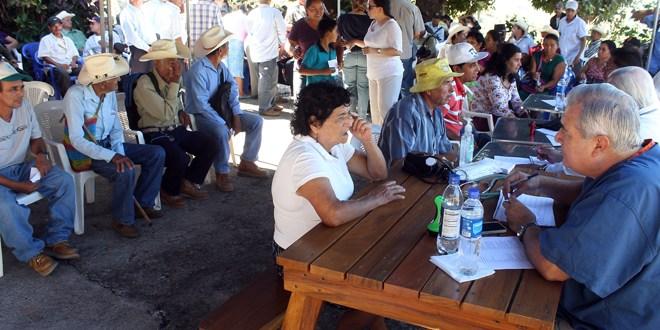 FMLN y empresarios realizan jornada médica  para veteranos militares de Cabañas
