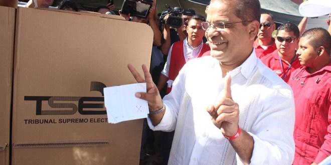 Óscar Ortiz satisfecho con el proceso electoral de este domingo