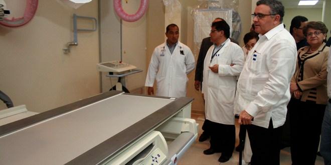 Mandatario inaugura edificio de servicios de diagnóstico de apoyo del Hospital Nacional Saldaña