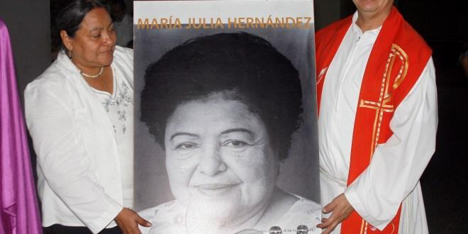 Feligreses recuerdan legado de María Julia Hernández
