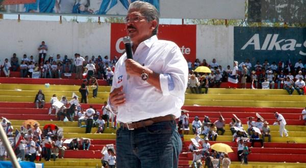 """Quijano: """"Estamos arriba  del FMLN en nuestras encuestas"""""""