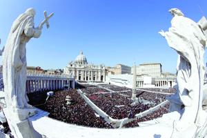 """Roma se prepara a la invasión de peregrinos para el """"día de los cuatro papas"""""""