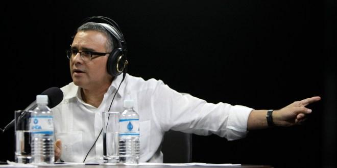 """No tiene sentido que expresidente Flores  pida asilo político en Panamá"": Presidente Funes"