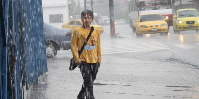 Alerta institucional ante lluvias que continuarán durante fin de semana