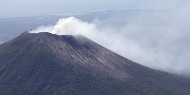 MARN señala que se mantiene alta probabilidad de erupción en volcán Chaparrastique