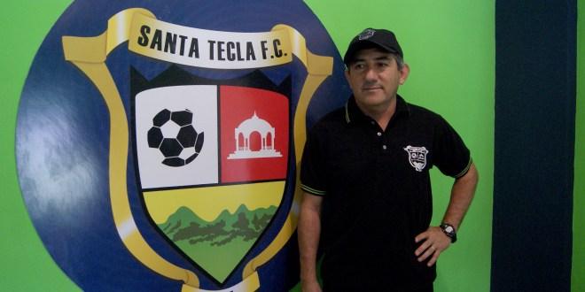 Santa Tecla presenta a Osvaldo Escudero como su nuevo entrenador