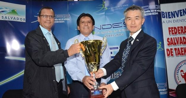 Masiva convocatoria para Copa Embajador de Corea 2014