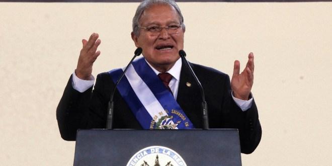 """Presidente Sánchez Cerén se compromete a gobernar con """"honradez, austeridad, eficiencia y transparencia"""""""