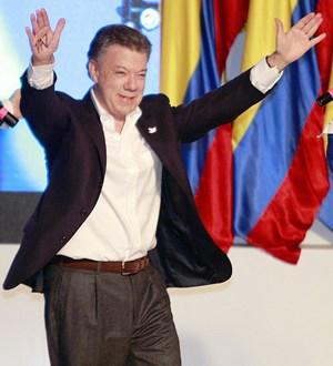 Colombia reanuda rumbo de la paz con reelección del presidente Santos