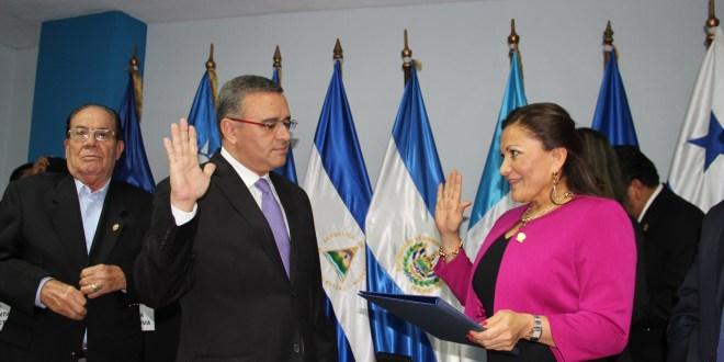 Partidos políticos respaldan incorporación de Funes a PARLACEN