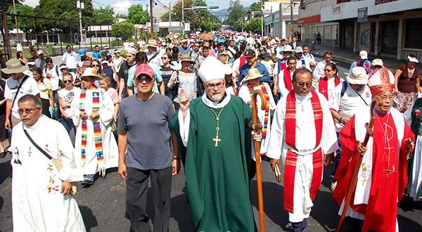 En peregrinación iglesia Luterana pide por el cese de la violencia