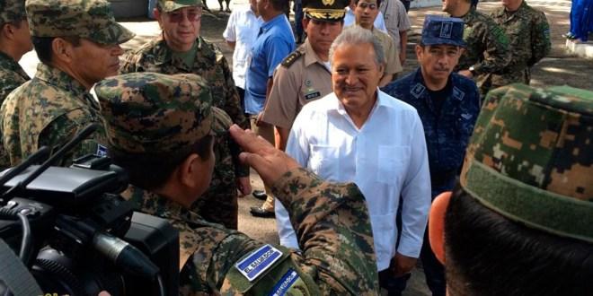 Sánchez Cerén destaca apoyo de la FAES en labores de seguridad