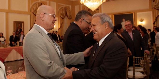 Presidente Sánchez Cerén se reúne  con su equipo de gobierno