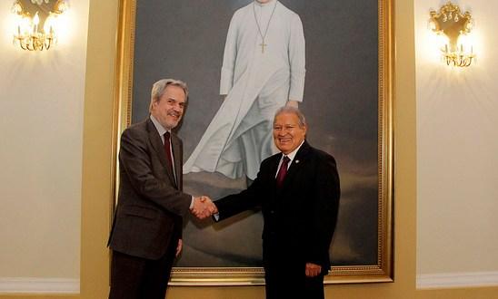 Presidente Sánchez y Secretario de OEI abordan temas de educación y seguridad