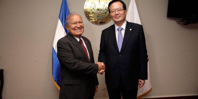 Presidente Sánchez fortalece lazos con Corea del Sur