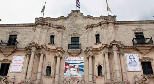 Papa Francisco inicia trascendental visita a Cuba