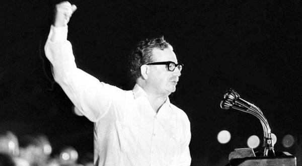 Con deudas en verdad y justicia Chile rinde homenaje a Salvador Allende