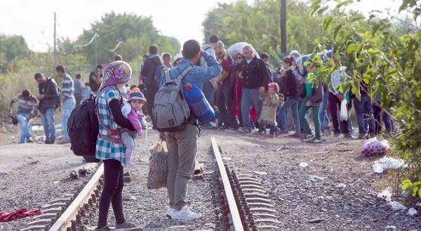 """Bruselas presenta un plan """"audaz"""" para el reparto de 160.000 refugiados en la UE"""