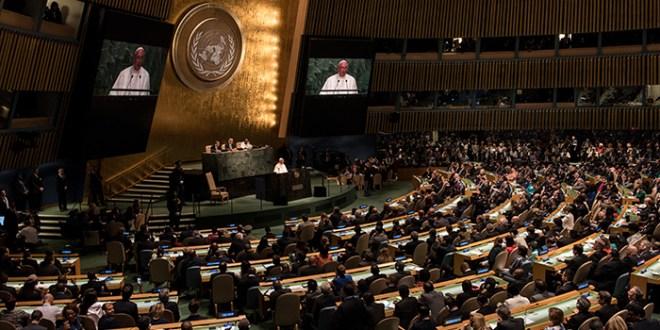 """El papa denuncia ante ONU """"asfixia"""" de países en desarrollo por """"sistemas de crédito"""""""