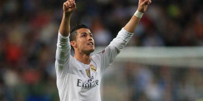 Real Madrid comanda los éxitos españoles y los Manchester se hunden