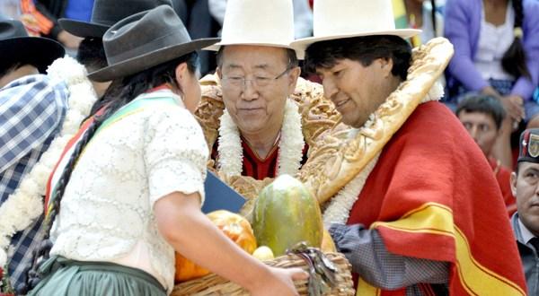 Mandatarios asisten a clausura de cumbre mundial de los pueblos en Bolivia