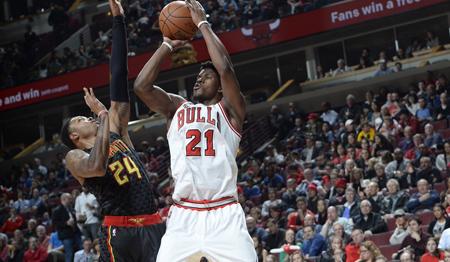 Bulls suman nueva derrota ante Hawks y se alejan de los playoff