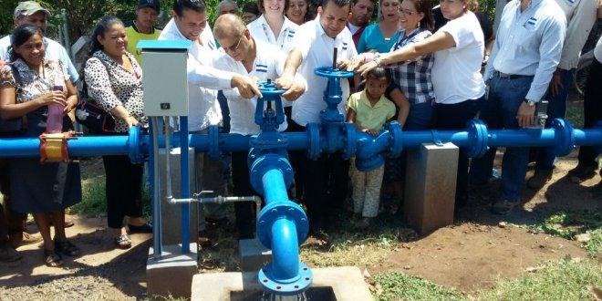 Comuna y gobierno central inauguran sistema de agua potable