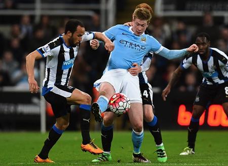 City empata en Newcastle y complica su pase directo a la Champions