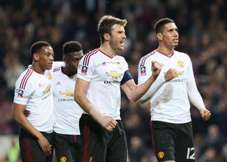 United vence al West Ham y avanza a semis de FA Cup