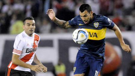 Tevez se cuestiona por su nivel en superclásicos entre Boca y River